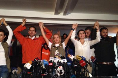 Venezuelan opposition leader Lopez ends hunger strike