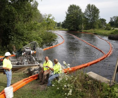 U.S. proposes tighter pipeline spill rules