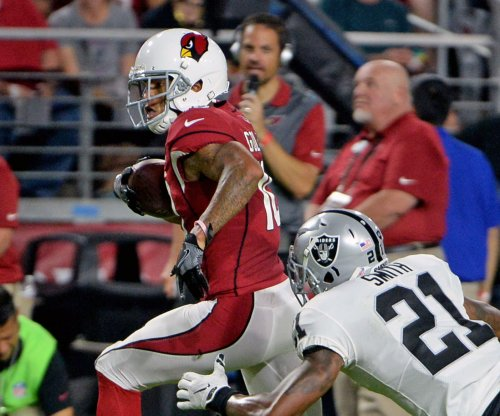 Oakland Raiders sit star players in preseason loss to Arizona Cardinals