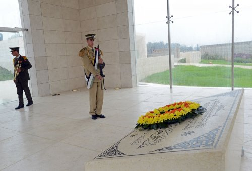 Outside View: Secrets in Ramallah tomb?