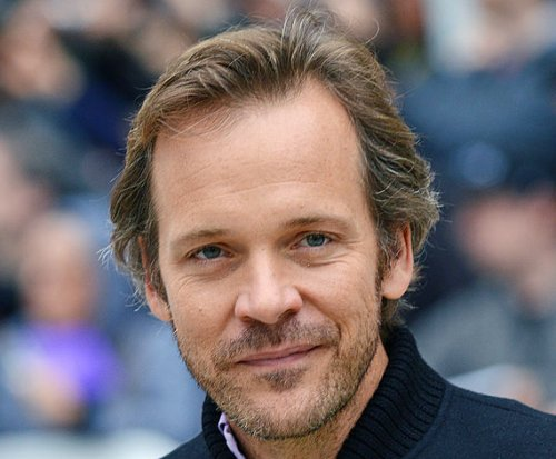 Peter Sarsgaard joins Denzel Washington in 'The Magnificent Seven'