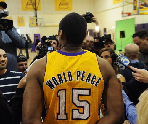 Los Angeles Lakers sign veteran F Metta World Peace