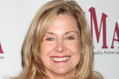 Catherine Hicks open to '7th Heaven' reunion without Stephen Collins