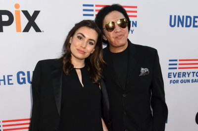Sophie Simmons calls out Katey Sagal over affair with dad Gene