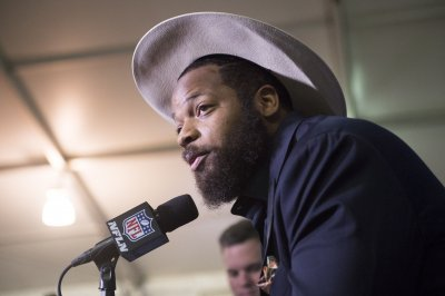 Philadelphia Eagles DE Michael Bennett turns himself in