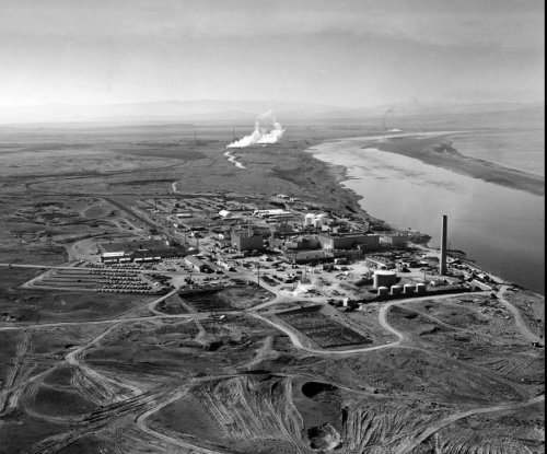 Hanford nuclear workers to receive protections in settlement with Energy Dept.