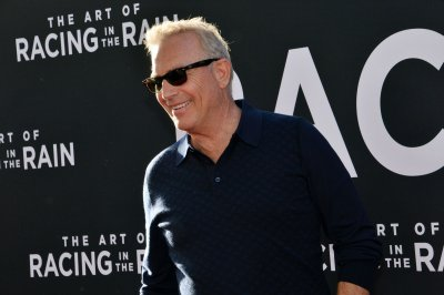 Kevin Costner celebrates 30 years of 'Prince of Thieves'