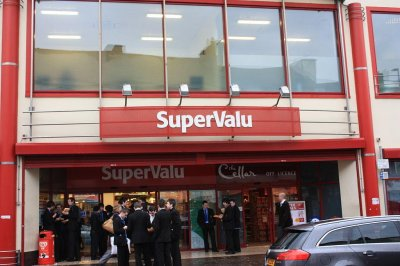 Supervalu investigating data breach at 180 stores