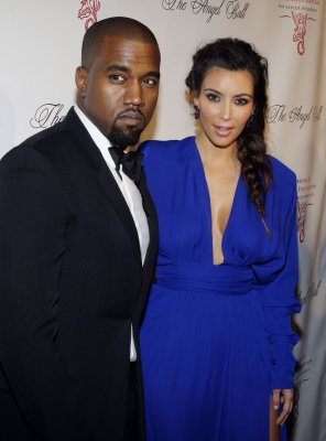 Kanye West, Kim Kardashian booed at Paris fashion show