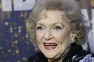 Betty White joins Instagram as 'Hot in Cleveland' winds down