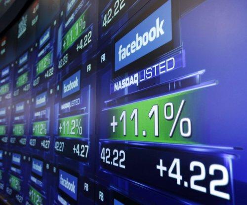 Facebook smashes revenue predictions with $5.4B; income up 195 percent; Zuckerberg gains billions