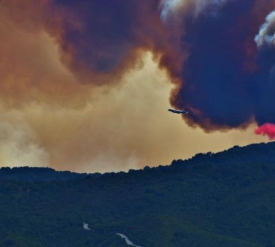 Wildfires burn thousands of acres, prompt evacuations in California
