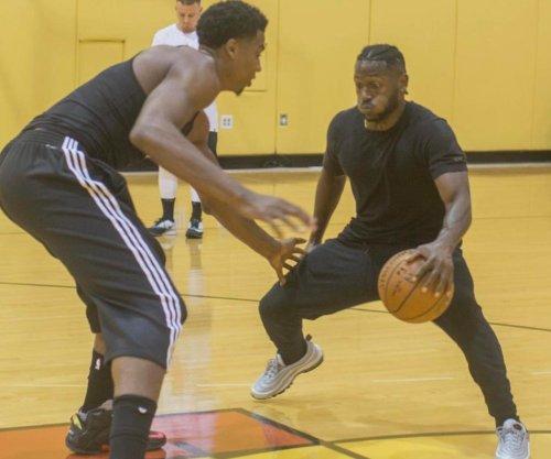 Steelers' Antonio Brown balls with Heat star Hassan Whiteside