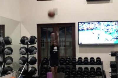 Kobe's daughter has a slick jumper just like her dad