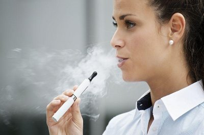Study: Regular use of e-cigs may help smokers quit