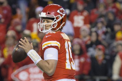 Mahomes: Chiefs confident 'we're going to win every single game' after carving up Colts