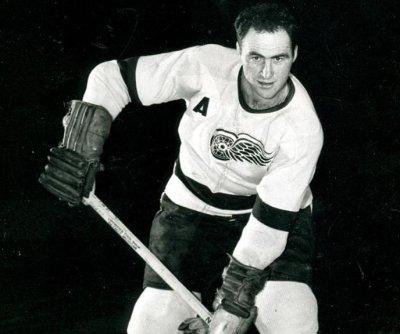 Detroit Red Wings, Toronto Maple Leafs great Leonard 'Red' Kelly dies at 91