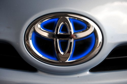 Toyota, Ford join forces for hybrids