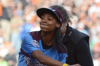 Mo'ne Davis: Player who tweeted slur deserves 'second chance'