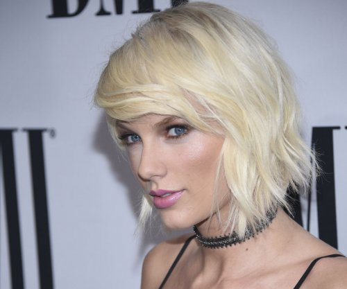 Taylor Swift donated $5,000 to help cover fan's funeral costs