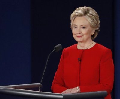 CNN poll: Clinton winner of first debate with Trump