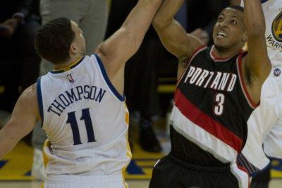 C.J. McCollum's last-second shot pushes Portland Trail Blazers past Dallas Mavericks