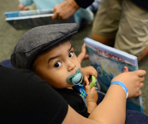 Toddler learning best promoted by e-books, study suggests