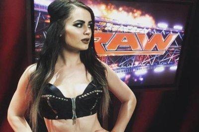 WWE Superstars call Paige's retirement 'heartbreaking,' 'bittersweet'