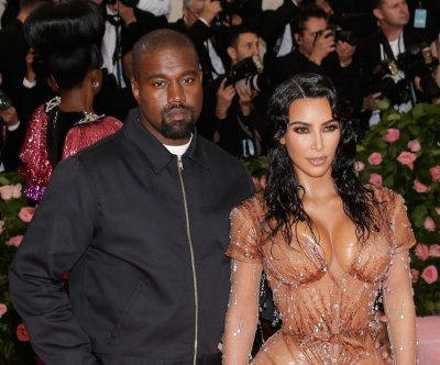 Kim Kardashian, Kanye West renew wedding vows on 'KUWTK'