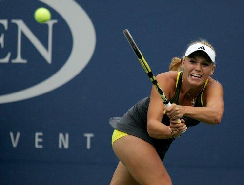 Wozniacki cruises into semis in Denmark