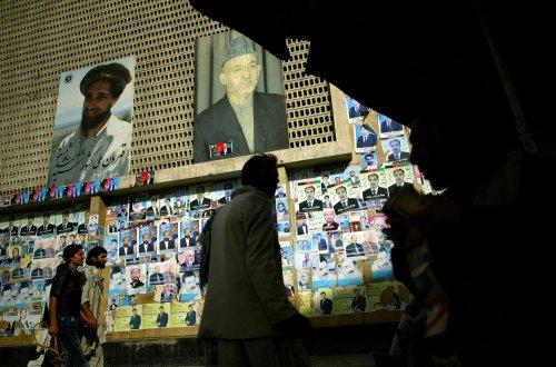 Former Islamic warlord Sayyaf announces bid for Afghan presidency