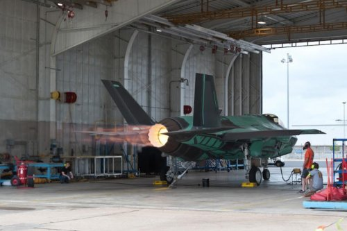 Netherlands building maintenance center for F-35 engines