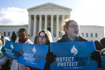 Supreme Court blocks Louisiana abortion limits
