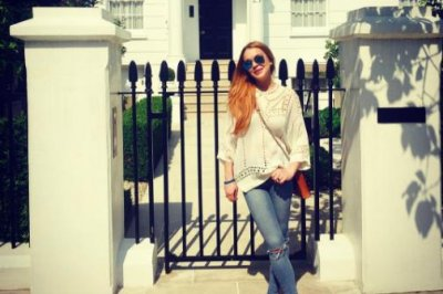 Lindsay Lohan visits 'The Parent Trap' house in London