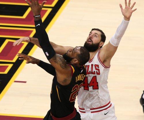 LeBron James' struggling Cavaliers continue road trip in Toronto
