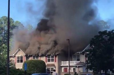 1 dead after helicopter crashes into Virginia condo