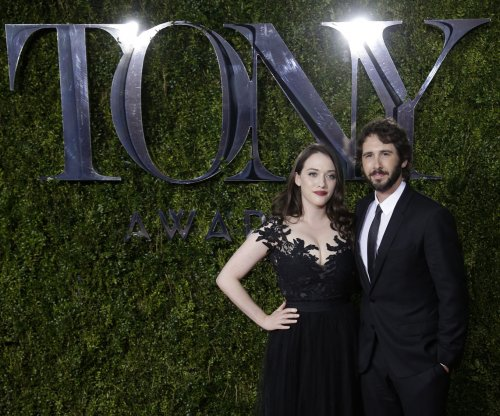 Josh Groban leads huge ensemble for 'In Memoriam' tribute at the 2015 Tonys
