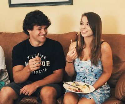 Bindi Irwin celebrates Thanksgiving with Chandler Powell