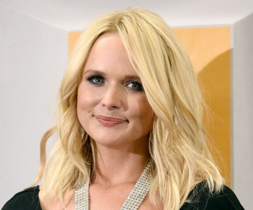 Miranda Lambert reflects on year of 'heartache and healing'