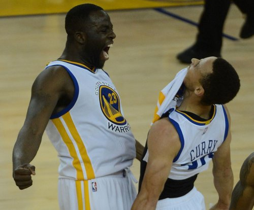 Golden State Warriors roll into break with rout of Sacramento Kings