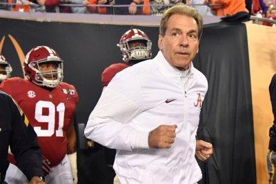 Alabama to hire New England Patriots assistant as OC