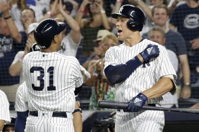 Aaron Hicks: Yankees OF helps team break homers record