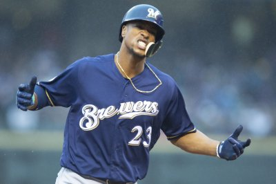 New York Mets trade for Milwaukee Brewers' Keon Broxton
