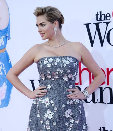Kate Upton 'a little uncomfortable' in bikini scene in 'The Other Woman'