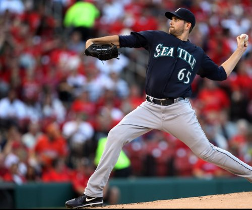 James Paxton pitches Seattle Mariners past Kansas City Royals