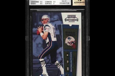 Tom Brady rookie card sells for record $400K in online auction