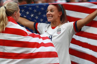 USA celebrates Women's World Cup with dressing room dancing, singing
