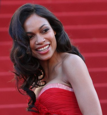 Rosario Dawson splits with boyfriend