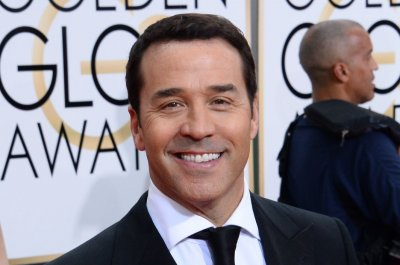 Jeremy Piven to return for fourth season of 'Mr. Selfridge'