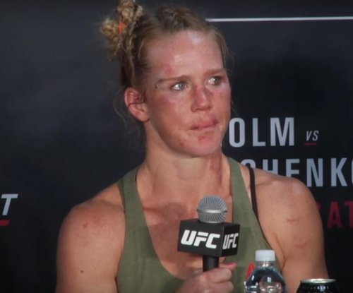 Valentina Shevchenko upsets Holly Holm in unanimous decision